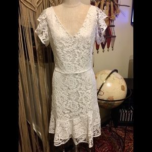 🆕Ralph Lauren White Lace Ruffle V Neck Dress 10